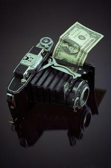 Free Camera  And Dollar Stock Photos - 8007463