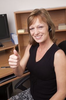 Free Thumbs Up At Office Royalty Free Stock Photography - 8007467