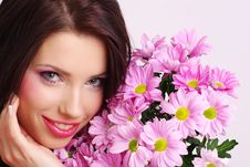 Free Portrait Of A Woman With Flowers Royalty Free Stock Images - 8007919