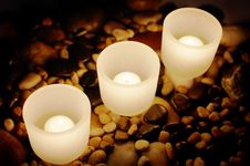 Free Candles And Rocks Royalty Free Stock Image - 8008176