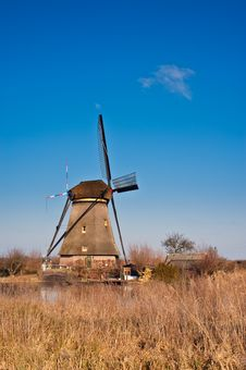Free Beautiful Windmill Landscape At Kinderdijk Stock Images - 8009964