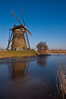 Free Beautiful Windmill Landscape At Kinderdijk Royalty Free Stock Photos - 8010138