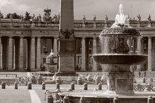 Free Vatican Fountain Stock Image - 8011281