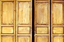 Free Wooden Door In Old Style Royalty Free Stock Images - 8014689