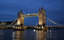 Free Tower Bridge Summer Night Royalty Free Stock Image - 8015866