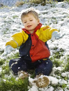 Free Little Boy In The Snow Stock Image - 8020081