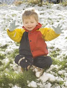 Free Little Boy In The Snow Stock Photo - 8020270