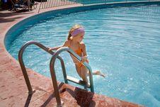 Free Summer Girl Royalty Free Stock Photo - 8023905