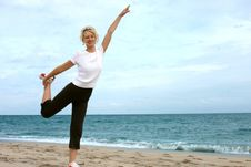 Free Exercising At Sea Beach Royalty Free Stock Images - 8024109
