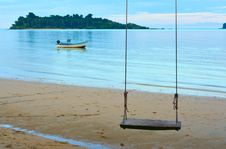 Free Swing On The Beach Royalty Free Stock Photos - 8024778