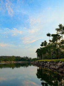 Free Lake Landscape Royalty Free Stock Photography - 8024957