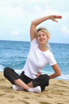 Free Exercising At Sea Beach Royalty Free Stock Photo - 8025295