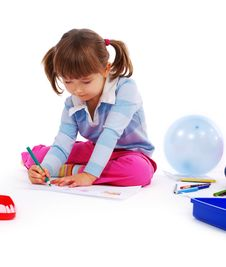 Free Little Girl Painting A Picture Royalty Free Stock Image - 8025316