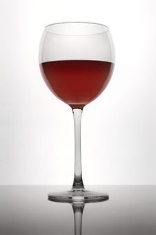 Free Elegant Wineglass With Red Wine Royalty Free Stock Photos - 8026608