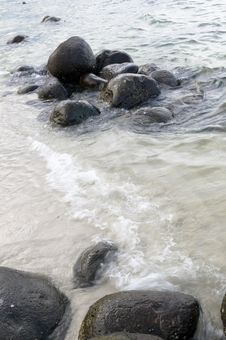 Free Breakers On Rocky Shore Royalty Free Stock Image - 8030586