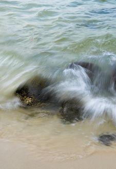 Sea Crashing On Rocks Royalty Free Stock Image