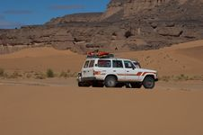Jeep In Sahara Exploration Stock Images