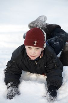 Free A Boy In Snow Royalty Free Stock Photo - 8032765
