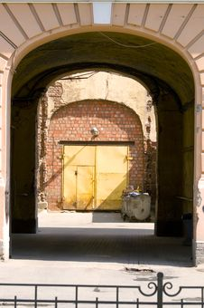 Free Gateway And Courtyard. Royalty Free Stock Photos - 8034808