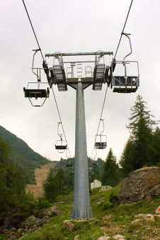 Free Chairlift In The Mountains Stock Photo - 8034850