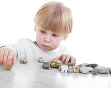 Free The Serious Little Boy Stock Images - 8035904
