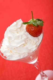 Free Strawberries In The Glass Full Of Cream Royalty Free Stock Photography - 8037467