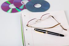 Free Notebook With Glasses Royalty Free Stock Photos - 8040378