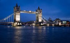 Free Tower Bridge At Night Royalty Free Stock Photos - 8043068
