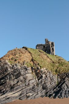 Free Ballybunions Castle On The Cliffs Stock Photo - 8044200