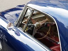 Free Old Blue Car Royalty Free Stock Images - 8044499