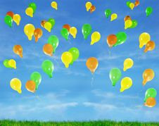 Free Balloons In The Blue Blue Sky Royalty Free Stock Photography - 8050367