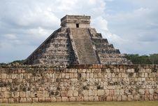 Free Chichen Itza Pyramid Stock Image - 8051071
