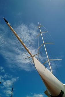 Free Yacht At Auckland Harbor Royalty Free Stock Photography - 8052807