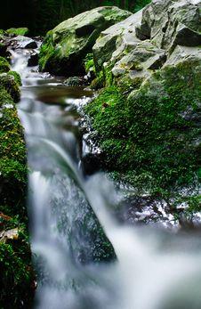 Free Peaceful Waterfall Stock Photos - 8056653