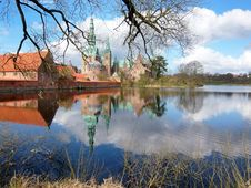 Free Frederiksborg Castle, Denmark Royalty Free Stock Photography - 8058857
