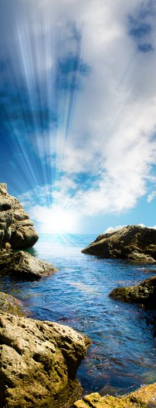 Free Sea Tide Between Rocks Royalty Free Stock Photography - 8062897