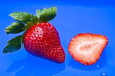 Free Strawberry Royalty Free Stock Images - 8063579