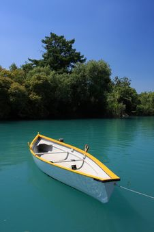 Free White Boat Stock Images - 8065824