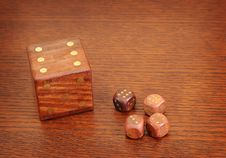 Free Wood Dices2 Royalty Free Stock Images - 8066469