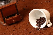 Free Coffee Grinder Royalty Free Stock Photos - 8066978