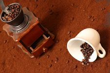 Free Coffee Grinder Royalty Free Stock Image - 8066986