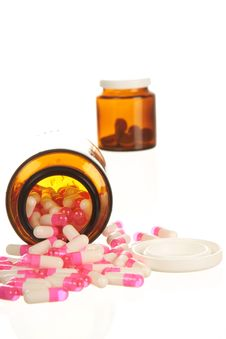 Free Pills And Bottles Royalty Free Stock Image - 8067336