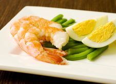 Free Delicious Salad Of Shrimps Royalty Free Stock Photography - 8070067