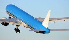 Free Boeing 777-300 Royalty Free Stock Photos - 8072668