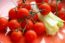 Free Cherry Tomatoes Background Royalty Free Stock Images - 8073769