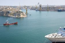 Free Malta Valetta Harbour With Cruiser Stock Photo - 8082720