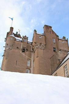Free Crathes Castle In The Snow Stock Photography - 8085592