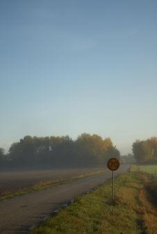 Free Road In A Misty Morning Royalty Free Stock Photo - 8087245