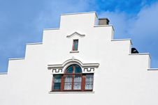 Free White Building Royalty Free Stock Images - 8087259