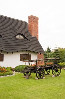 Free Cottage With Thatched Roof Stock Image - 8087531